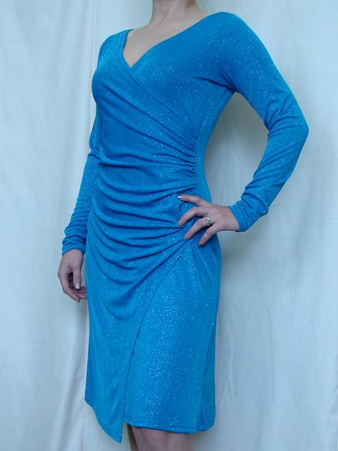 Платье из трикотажа с драпировкой своими руками